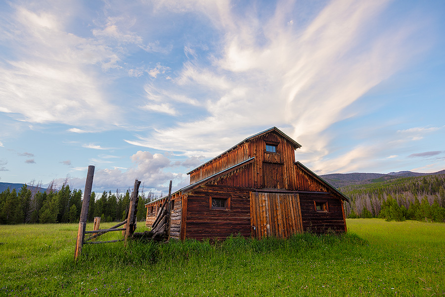 A scenic photograph of an old wood barn in Rocky Mountain National Park, Colorado. - Colorado Photography